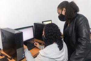 Alfabetização digital para mulheres
